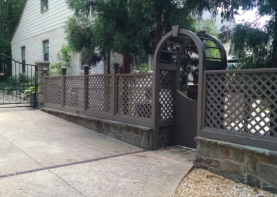 Stain-N-Seal Solution - Atlanta Fence treatment and repair company.